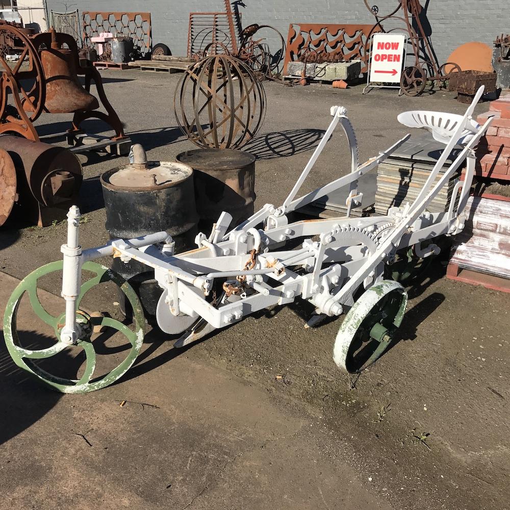 Element-Bazaar-Automobilia-Plough